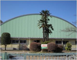 西小学校体育館